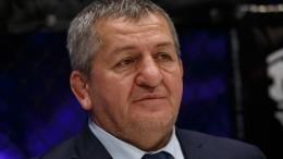 Отца Хабиба Нурмагомедова госпитализировали вбольницу Москвы