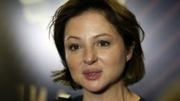 «Янедевушка, я— актриса!»: Анна Банщикова нарушила режим самоизоляции вГеленджике