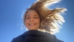 «Стройняшка!»— Ирина Пегова сделала селфи вспортивном костюме напробежке