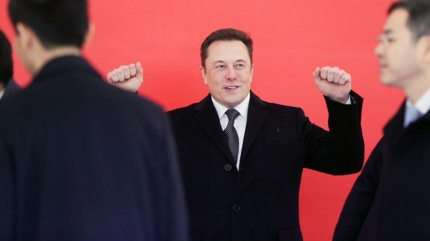 Технологии будущего: Илон Маск пообещал чипировать людей в2020 году