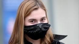 Врач назвал частые ошибки при ношении маски