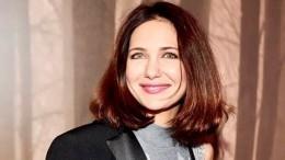 «Глаз неоторвать»: Климова показала, как выглядит без макияжа