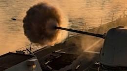 Момент выстрела ракеты ВМС Ирана посвоему кораблю попал навидео