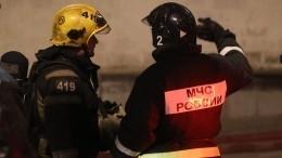 Один человек погиб из-за мощного пожара вдоме наФрунзенской набережной
