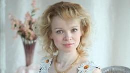 Цымбалюк-Романовская элегантно прикрыла грудь сонатами Шопена— фото