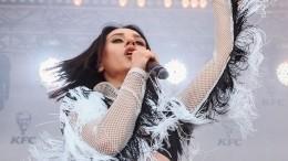 Cream Soda иIOWA удивляют зрителей ярким выступлением наVK Fest 2020