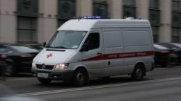 Видео издетской больницы Петербурга, где охранник порезал своего коллегу (18+)
