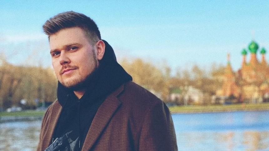 Многоголосый музыкальный пародист NECHAEV удивляет фанатов наVK Fest