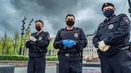 ВКазани сотрудница полиции без средств защиты выписала штраф гражданину без маски