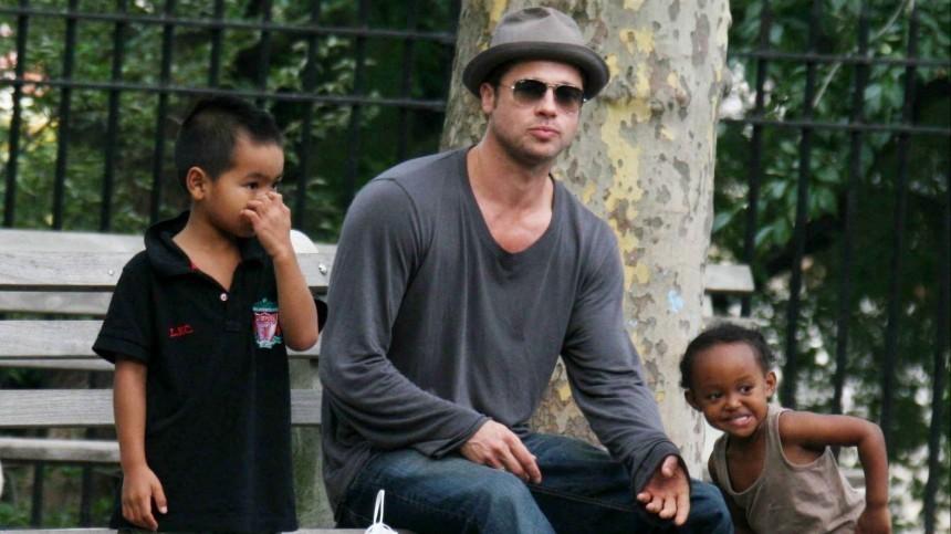 Анджелина Джоли запретила Брэду Питту знакомить детей сновыми подружками