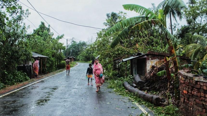 Двадцать один человек всписке жертв урагана вИндии иБангладеш