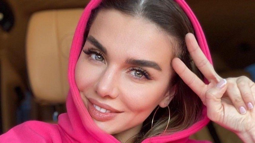 Анна Седакова четыре месяца неможет увидеть дочь из-за ограничений поCOVID-19