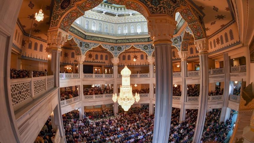 Путин поздравил мусульман спраздником Ураза-байрам