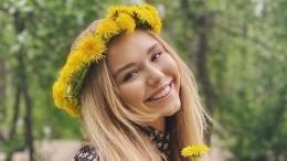 «Самое милое фото задень»: Стеша Маликова показала «трех пупсиков»