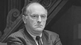«Невыходи изкомнаты»: Бродского вспоминают вего 80-летний юбилей