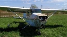 Легкомоторный самолет аварийно сел вЛенобласти из-за оторвавшегося винта