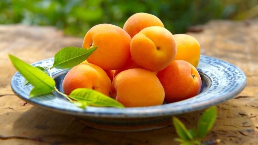 Какие сезонные ягоды, фрукты иовощи покупать виюне?