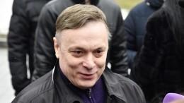 «Тебя жаба душит!»— Андрей Разин публично оскорбил Шнурова