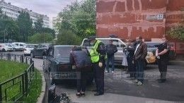 ВПетербурге подросток снаркотиками пытался скрыться отполиции наВАЗ