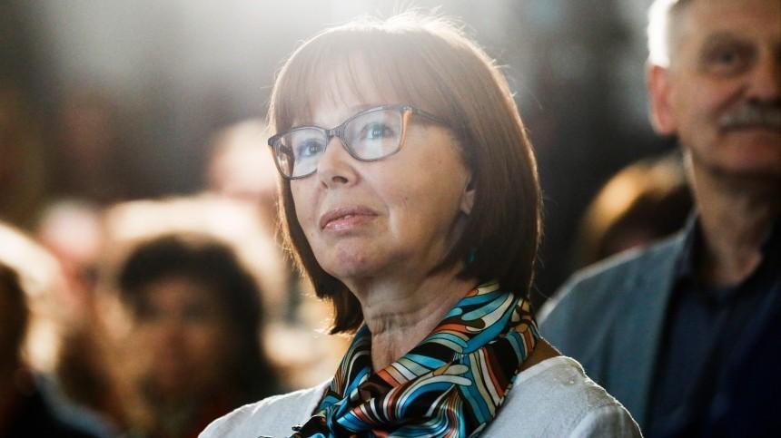 «Дарите радость»: Владимир Путин поздравил сюбилеем актрису Евгению Симонову