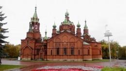Челябинский храм временно переезжает всалон эротического массажа