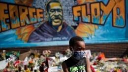 Пятнадцать американских штатов охвачены массовыми беспорядками