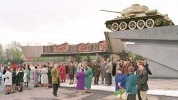 ВНовокузнецке легендарный Т-34 сняли спостамента для участия вПараде Победы