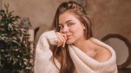 Петербурженка всамоизоляции два месяца встречала курьеров топлес