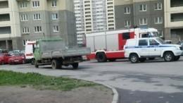 Очевидцы сообщают опадении лифта спассажирами вдоме наюго-западе Петербурга