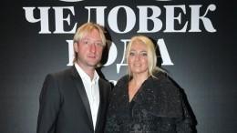 «Ненадоело?»: Рудковская сПлющенко исыном показали танец сочками