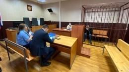 Михаила Ефремова, устроившего смертельное ДТП, отправили под домашний арест