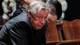 «Ятоже садился пьяным заруль»: кто иззвезд поддержал Ефремова после смертельногоДТП?