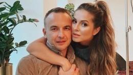 Нюша призналась мужу влюбви, опубликовав «беременное» фото