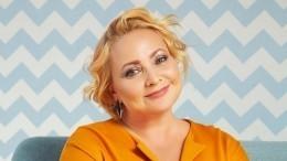 «Похорошела, расцвела»: Светлана Пермякова опубликовала новое яркое селфи