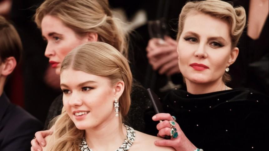 «Так бывает умудрых мам»: фанаты Ренаты Литвиновой оценили заслуги звезды ввоспитании дочери