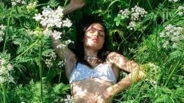 «Разрешаю целовать»— Полина Фаворская опубликовала горячую фотосессию впрозрачном белье