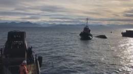 Видео сместа крушения катера наКамчатке, экипаж пропал без вести