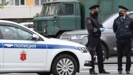 ВПетербурге водитель ипассажир Mercedes напали наполицейских