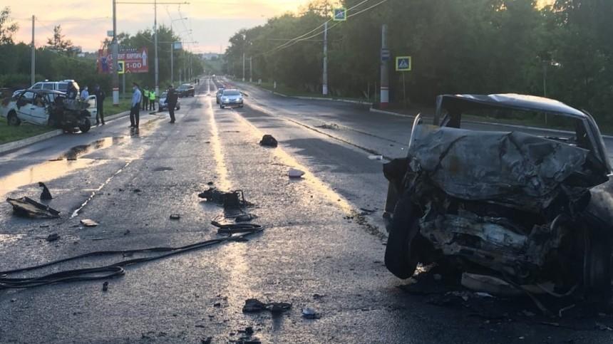 Видео сместа жуткого ДТП под Саранском, вкотором погибли шесть человек