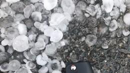 НаМоскву после рекордной жары обрушился ливень сградом— видео