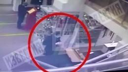 Внимательно проверил: убивший семью вМоскве покупает роковой карабин
