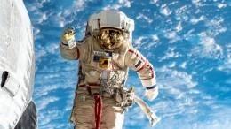 Космонавты сМКС поздравили россиян с75-летием Победы