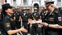 Видео награждения калининградской «Золушки» после Парада Победы
