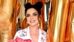 WOW-эффект: Наташа Королева поменяла прическу и«помолодела на20 лет»