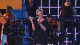 «Сурганова иОркестр» показала таинственный номер на«Алых парусах»