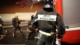 Видео: Жилой многоквартирный дом полыхает вВыборгском районе Петербурга
