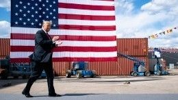 Дональд Трамп называл Терезу Мэй слабой, аАнгелу Меркель— глупой