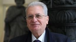«Культура— высочайший символ страны»: гендиректор Эрмитажа принял участие вголосовании поКонституции