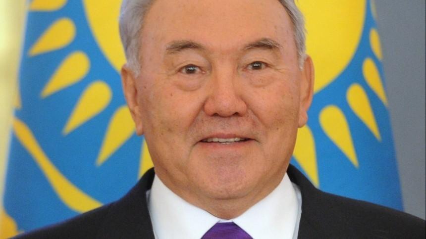 Встолице Казахстана торжественно открыли памятник Назарбаеву