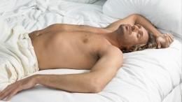 Здоровья нехватит! Медик назвал ТОП-3 опасных позы для сна